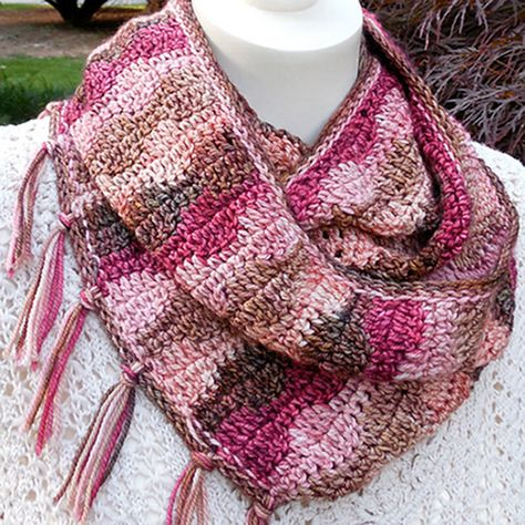 Turn and Wave Infinity Cowl Crochet Pattern – Phydeaux Designs & Fiber