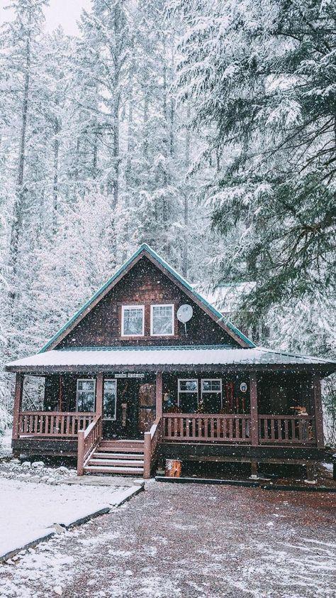 49 Beautiul Log Homes Ideas to Inspire You Winter Cabin, Cozy Cabin, Snow Cabin, Small Log Cabin, Winter Snow, Winter Homes, Beautiful Homes, Beautiful Places, Woodland House