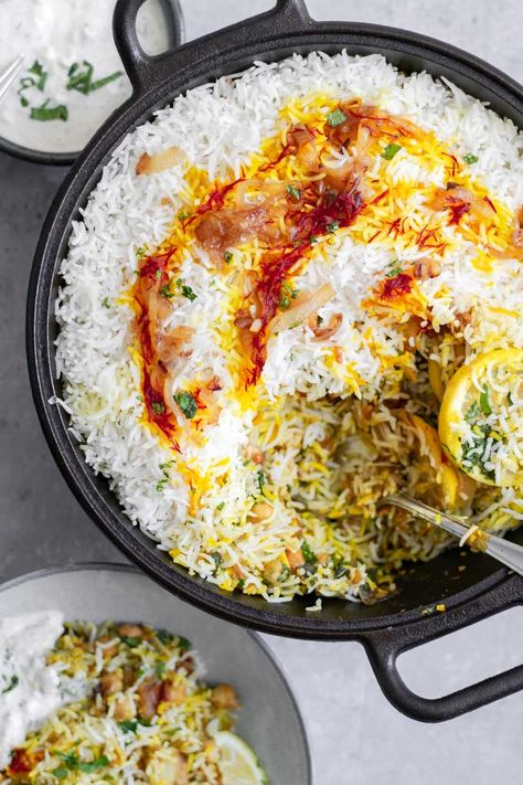 This Sindhi vegetable biryani is a popular and traditional dish, with layers of curry-spiced vegetables and chickpeas and basmati Vegan & gluten free. Vegetable Biryani Recipe, Vegetable Recipes, Vegetarian Recipes, Vegetarian Biryani, Curry Dishes, Vegan Dishes, Food Dishes, Food Food, Veggie Food