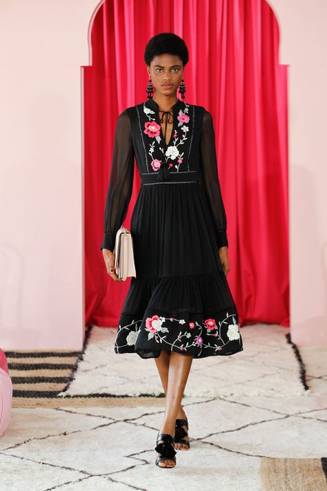 Kate Spade New York Spring 2017 Ready-to-Wear Fashion Show