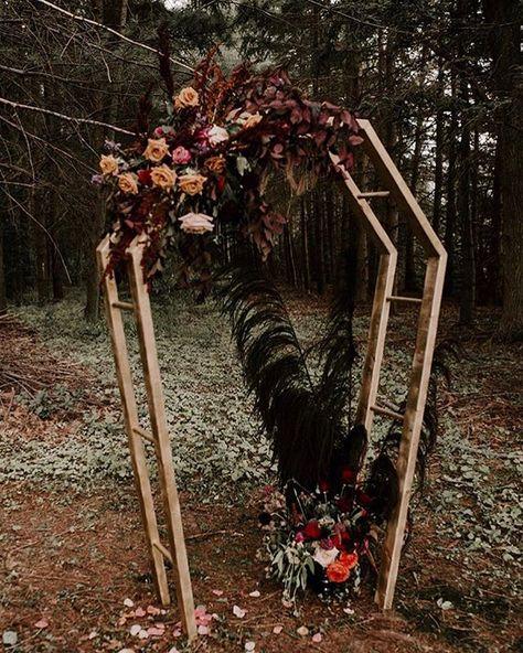 Vampire Wedding, Pagan Wedding, Wedding Altars, Medieval Wedding, Geek Wedding, Fall Wedding, Wedding Black, Wedding Ceremony, Halloween Wedding Dresses