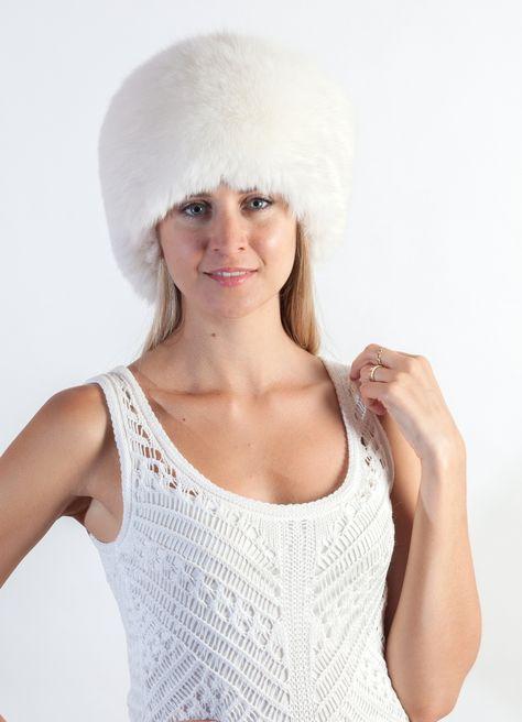 7 fantastiche immagini su L accessorio in pelliccia nel matrimonio d inverno   51afe5a7e251