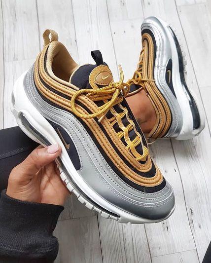 sélection premium 7bb64 1eba0 Gros coup de cœur pour ces Nike Air Max 90 grises et dorées ...