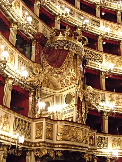 Royal Box of Teatro di San Carlo, an opera house in Naples, Italy. It is connected to the Royal Palace. Commissioned by the Bourbon King Charles III of Naples, opened in it is the oldest continuously active venue for public opera in the world. Baroque Architecture, Beautiful Architecture, Beautiful Buildings, Interior Architecture, Beautiful Places, Theater Architecture, Gold Aesthetic, Princess Aesthetic, Concert Hall