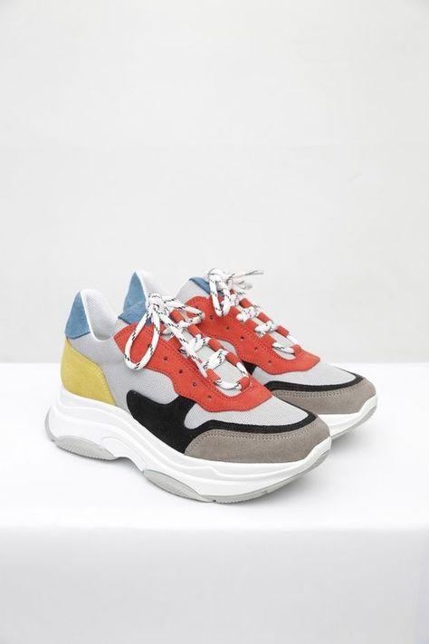 55 Women Sneakers That Look Fantastic | Sapatos, Look e