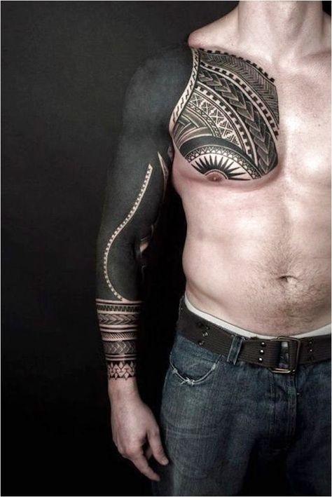 A blackout tattoo � um estilo de tatuagem�preta s�lida que cobre uma boa parte de pele. Voc� teria coragem de fazer #TattooSleeves Click to see more.