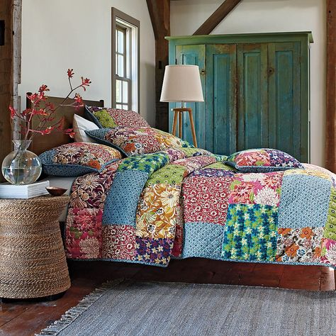 Full Bloom Quilt | The Company Store - fat quarters?