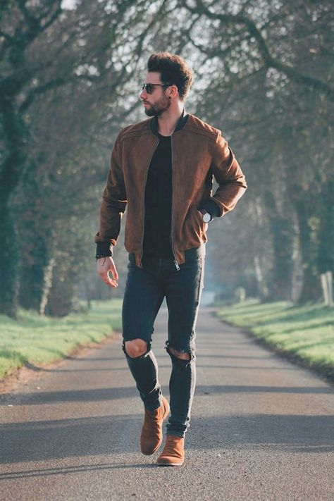 Erkek Sonbahar Modası 2018 Male Autumn Fashion 2018 Deri Ceket + Slim Fit S… Men's Fall Fashion 2018 Men's Autumn Fashion 2018 Leather Jacket + Slim Fit Black Basic T-Shirt + Black Ripped Jeans The combined details have given a different note too