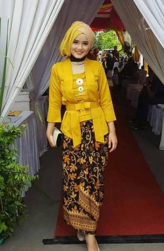 25 Model Kebaya Modern Pink Rok Batik Merak Model Baju Muslim