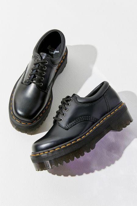 Martens 8053 Platform Oxford Source by kimiomai shoes Dr Shoes, Sock Shoes, Cute Shoes, Me Too Shoes, Shoes Men, Women's Shoes, Oxford Platform, Oxford Shoes, Mens Platform Shoes