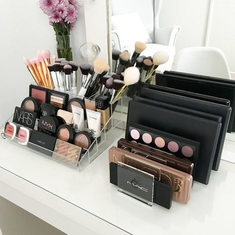 VC Palette Holder 8 slots to hold palettes W x D x H Made from clear acrylic Please note : Makeup is not included Makeup Storage Organiser, Make Up Organiser, Makeup Organization, Diy Makeup Storage, Makeup Collection Storage, Makeup Display, Beauty Storage Ideas, Make Up Organization Ideas, Diy Vanity Storage