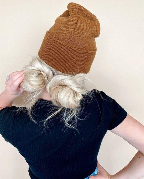Beanie Hairstyles, Low Bun Hairstyles, Work Updo, Work Hair, Hot Roller Curls, Space Buns Hair, Christmas Party Hairstyles, Vintage Hairstyles Tutorial, Chignon Hair
