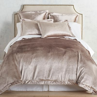 So Luxurious So Inviting There S Just Something About Velvet That Draws Us In Maybe It S The Lus Duvet Cover Master Bedroom Bed Linens Luxury Luxury Bedding