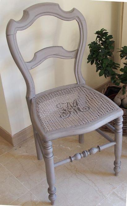 Chaise Et Monogramme Satinelle Bruges Shabbychic Shabby Furniture Furniture Renovation Refurbished Furniture Diy