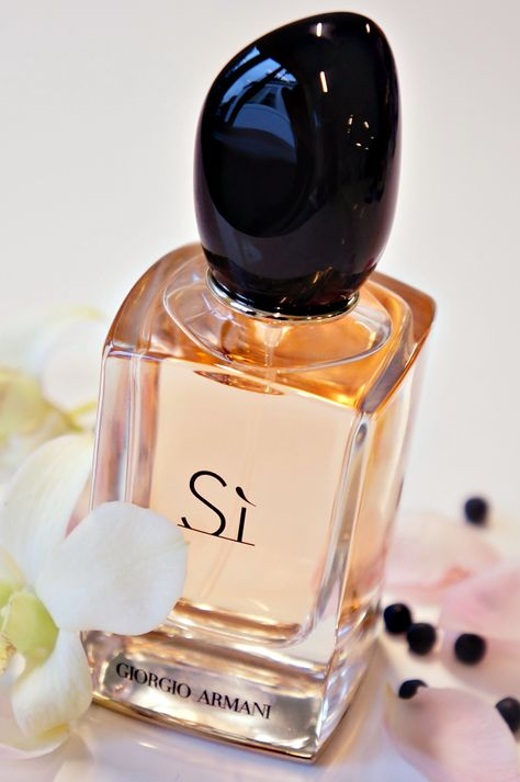 "Armani ""Si"" is  my favourite perfum, ""Si"" is the second perfum after ""Magnetism"" of  Escada...i like it very much..."