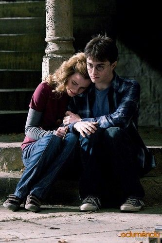 Harry Hermione Harry Hermione Harry And Hermione Daniel Radcliffe Wanted Movie