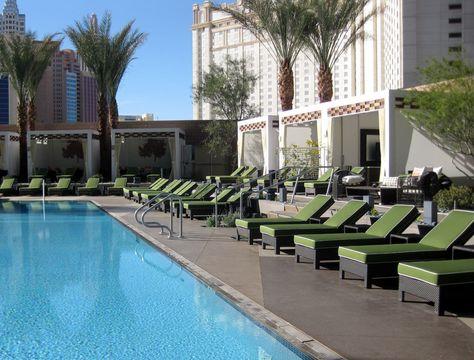 Pool Cabanas   Image of the swimming pool and cabanas at the Mandarin Oriental Las ...