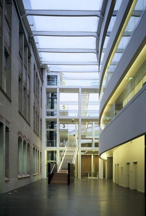 Novancia Advancia Business School Paris Facciate Grattacieli E Comfort