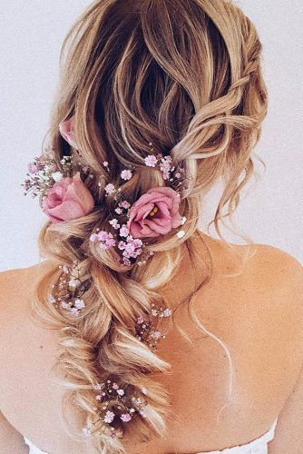 Wedding Hairstyles With Flowers Wedding Planning Ideas Inspiration Wedding Dresses Decor And Lots Mo Hair Styles Floral Crown Wedding Bridal Floral Crown