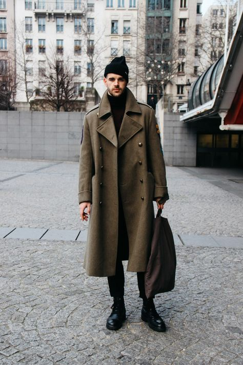 LOOK XXII: Army coat ( paris street style )