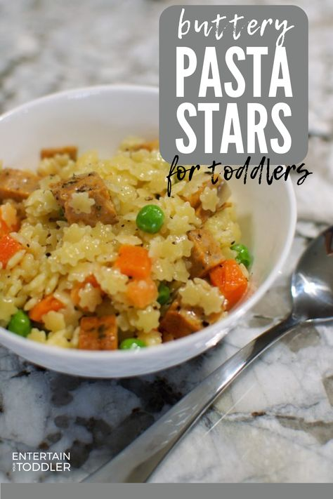 This easy toddler meal is perfect for lunch or dinner and can be whipped up using pantry staples that kids love. Pasta stars, protein, and veggies all drizzled with a delicious buttery sauce is hard to pass up! Toddler Dinner Recipes, Easy Toddler Lunches, Pasta Recipes For Kids, Healthy Toddler Meals, Healthy Family Meals, Easy Dinner Recipes, Baby Food Recipes, Toddler Dinners, Crockpot Kids Meals