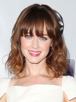 Alexis Bledel  The blue-eyed Mexican and Argentinian Texas native grew up speaking Spanish. Bledel learned English once she began attending school.Celebrities Who Are Fluent in Spanish