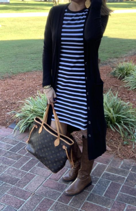 Need outfit ideas? Check out my blog for everyday outfits for the 40+ ladies!! From casual to Workwear... #fashionover40 #over50 #over40fashion #ootd #fallfashion #leatherjacket  #booties #casualstyle #weekendlook #falloutfits #falloutfitsforwomen #datenight #date #momfashion #momstyle #womensfashionforover50tips