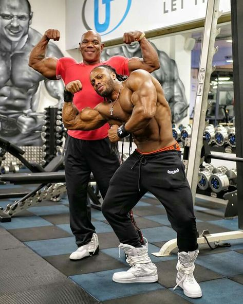BEAST MODE In The Gym!! - The Monster Ulisses Jr #physique