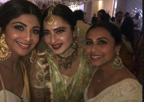 Shilpa Shetty Kundra Rekha Ji And Rani Mukherjee At Sonam Kapoor Sangeet Ceremony Sonam Kapoor Wedding Wedding Pics Wedding Pictures