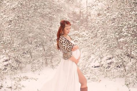 8c6aa429468 Snow maternity photo- Ashley Uhl Photography