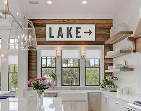 New Modern Rustic Kitchen Backsplash Interior Design 70 Ideas Small Lake Houses, Beach Houses, Kitchen Table Chairs, Dining Tables, Haus Am See, Beach House Decor, Home Decor, Kitchen Wall Colors, Thing 1