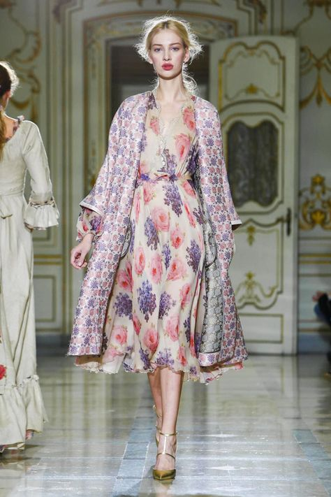 Luisa Beccaria Ready To Wear Spring Summer 2016 Milan - NOWFASHION