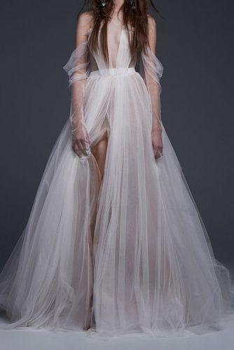 30 Ideas Wedding Night Gown For Your Inspiration Wedding Gown wedding night gowns Pretty Dresses, Beautiful Dresses, Unique Dresses, Bridal Gowns, Wedding Gowns, 2017 Wedding, Vera Wang Wedding Dresses, Vera Wang Dresses, Wedding Dressses