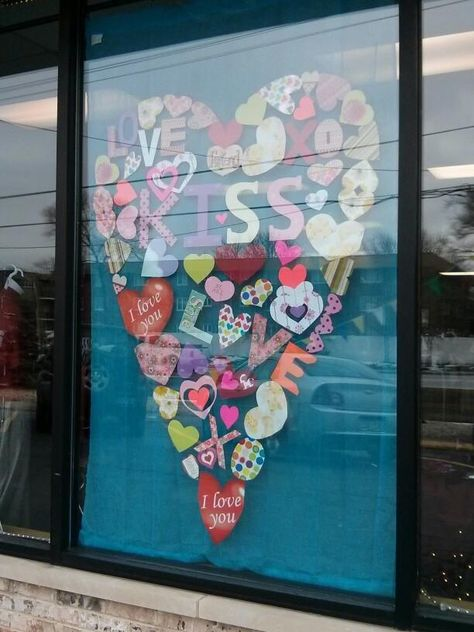 46 Lovely Valentine Window Decoration Ideas - Everyone thinks of chocolates and red roses for Valentine's Day. But there are other ways to show your Valentine how much you care that will create wo. Spring Window Display, Store Window Displays, Display Windows, Retail Displays, Merchandising Displays, Photo Window, Window Art, Store Windows, Retail Windows