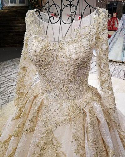 a8ad9e1145a418 Bruidsjurken Glitter Luxe A Lijn Kralen Elegante Tule Kanten - Ricici.com   damesmode  ricici  bruidsjurken  trouwjurken  bruidsjurken2019