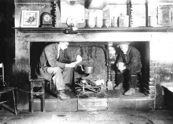 The Inglenook fireplace at the Crooked Billet, circa 1930 | Fun ...