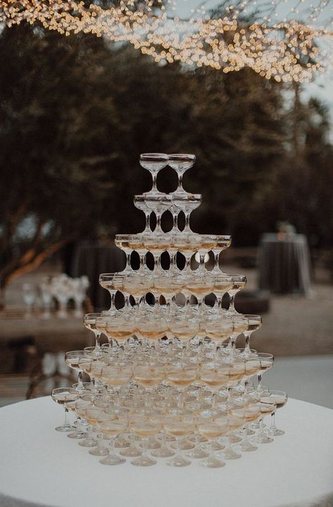 Top 10 Luxury Wedding Venues to Hold a 5 Star Wedding - Love It All Star Wedding, Dream Wedding, Wedding Day, Black Tie Wedding, Wedding Pins, Wedding Images, Wedding Favors, Wedding Goals, Wedding Advice