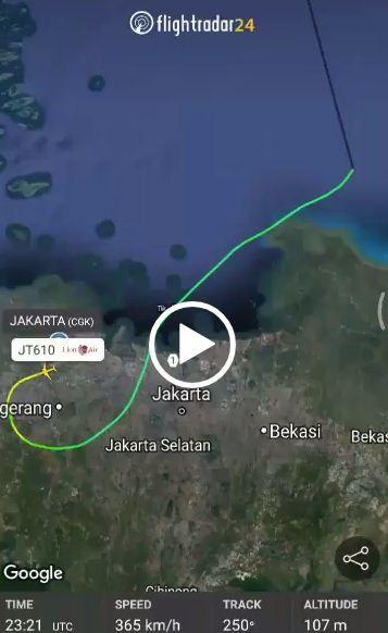 Flightradar24 Aplikasi Yang Bisa Tracking Posisi Pesawat Saat Mengudara Potret Penulis Incoming Call Screenshot Incoming Call Lockscreen Screenshot