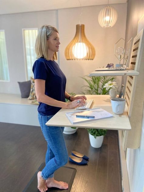 Diy Standing Desk, Standing Shelves, Standing Desk Diy Adjustable, Home Office Design, Home Office Decor, Ikea Office, Office Spaces, Work Spaces, Office Setup