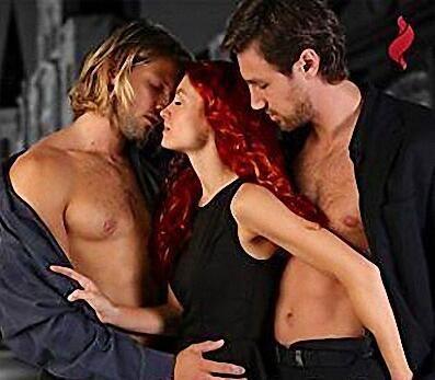 ป กพ นในบอร ด A Art Of Threesome