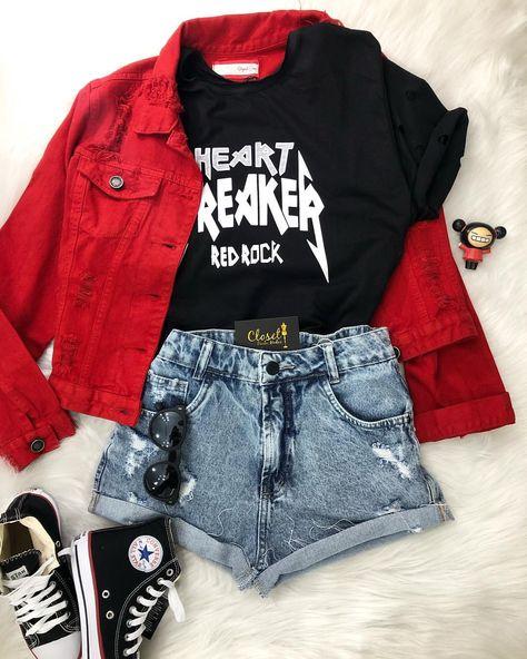 Vamos da uma cor nesse look #rock com essa #jaquetared 🤟🏼⚡️ #lookcloset #lookstyle #closet #lookdodia #lookgrunge #mundodasdespojadas…