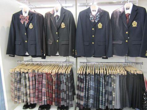 Tutto quello che avreste voluto sapere sulle uniformi scolastiche...