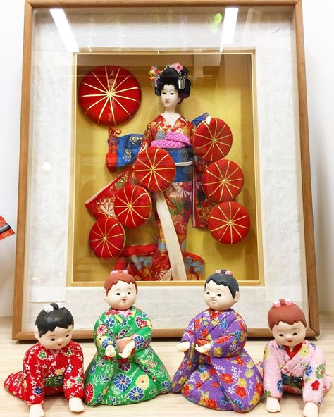 xmas Japanese dolls we've got em!...