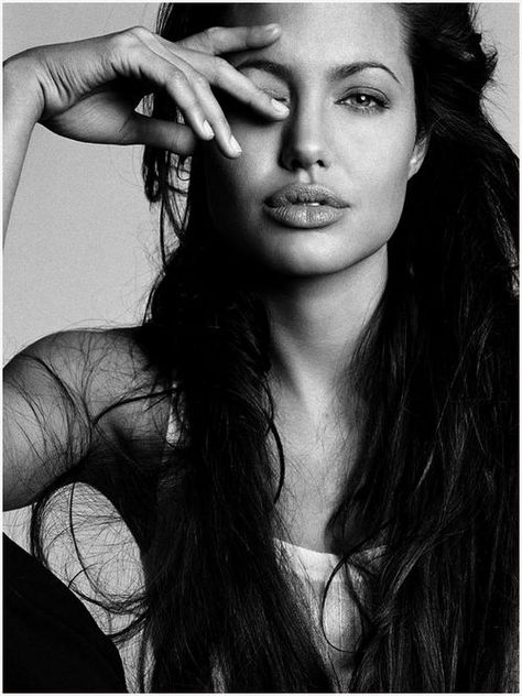 Top quotes by Angelina Jolie-https://s-media-cache-ak0.pinimg.com/474x/2c/2a/b5/2c2ab572756c15c0863547ba9d366c00.jpg