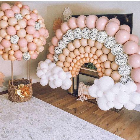 Baby Girl Birthday, Rainbow Birthday, 1st Birthday Parties, Birthday Ideas, First Birthday Balloons, Birthday Balloon Decorations, Baby Shower Decorations, Diy Party Decorations, Streamer Decorations