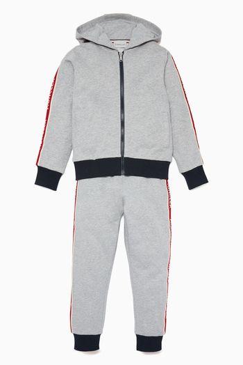 مونكليه بدلة رياضية بشريط مخطط بشعار الماركة رمادية اسعار ماركات عالمية فخمة راقية Hooded Jacket Jackets Athletic Jacket