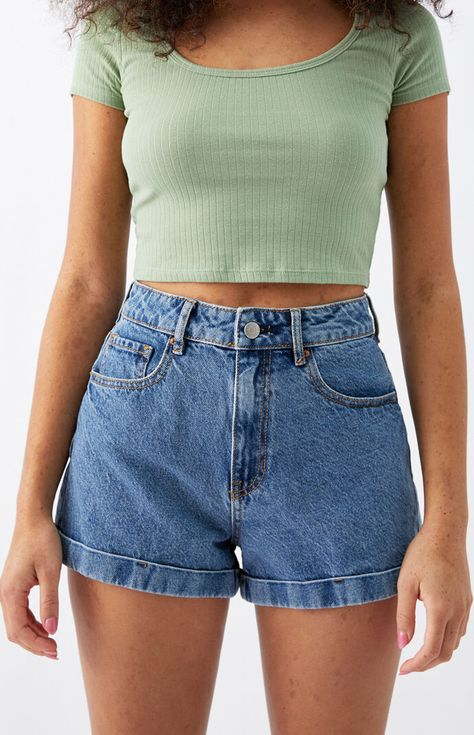 Mom Jeans Shorts, Blue Jean Shorts, Blue Denim, Women's Shorts, Denim Shorts Outfit, Short Outfits, Summer Outfits, Cute Outfits, High Wasted Shorts Outfit