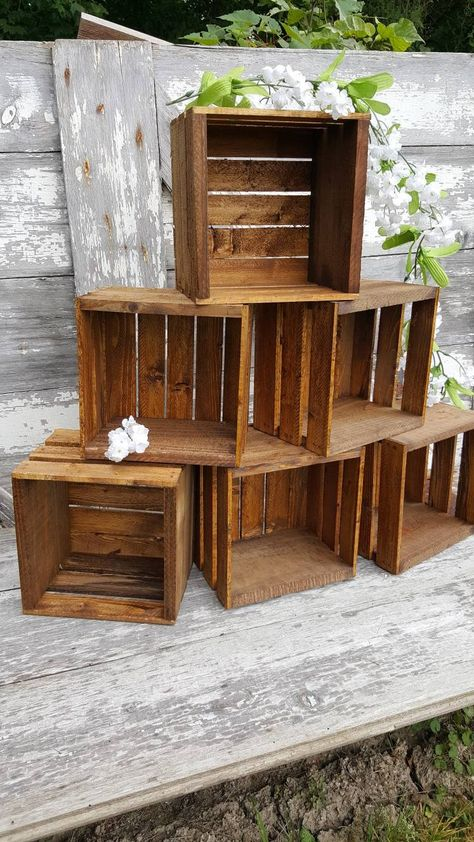 6 Rustic cupcake Stand wedding crates rustic w Rustic Cupcake Stands, Rustic Cupcakes, Diy Cupcake Stand, Rustic Cupcake Display, Cupcake Wedding Display, Rustic Cake, Rustic Candy Bar, Wedding Photo Displays, Rustic Food Display