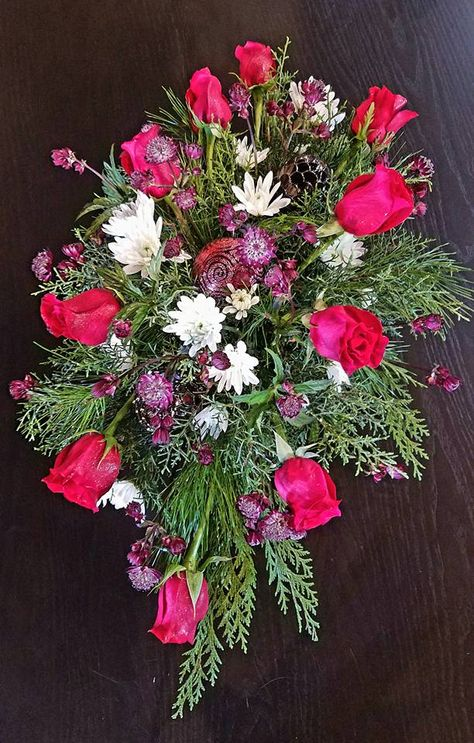 Holiday Flower Design By Bella Fls In Marco Island Flowers Arrangement Pinterest