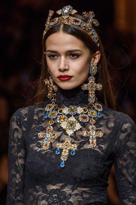Dolce & Gabbana at Milan Fashion Week Fall 2018 - Details Runway Photos